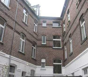 Wunderschöne helle 3-Zimmer Altbau Wohnung im zentralen Düsseldorf-Pempelfort