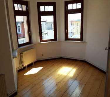 Vollständig renovierte 5-Zimmer-Wohnung mit Balkon in Weimar