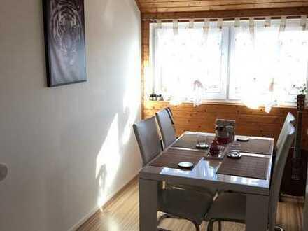 Gepflegte 3-Zimmer-DG-Wohnung mit Einbauküche in Villingen-Schwenningen