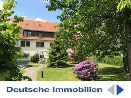 Attraktive 3 - Zimmer - Dachgeschosswohnung mit TG Stellplatz und Spitzboden!