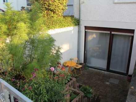 ++kürzlich Komplettrenovierung++ Souterrainwohnung mit gepflegter Einbauküche in Rommersheim