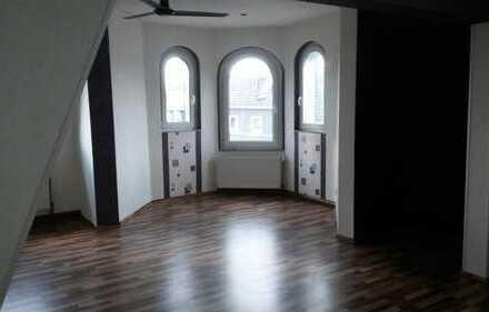 Geräumige Wohnung mit Blick über Herne und 2 Bädern