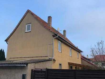 Einfamilienhaus mit Garage, kl. Grundstück und viel Potential in Schloßvippach zu verkaufen!