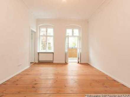 Renovierte, bezugsfreie 2-Zimmer-Altbauwohnung mit 2 Balkonen