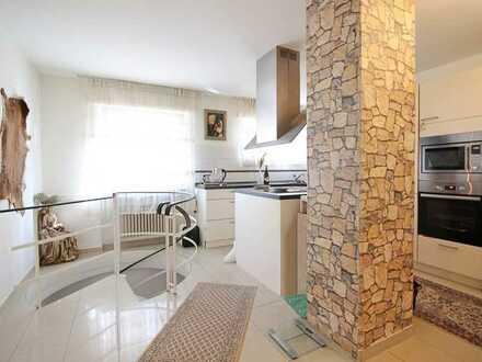 Schöne zentral gelegene Wohnung auf 2 Etagen!