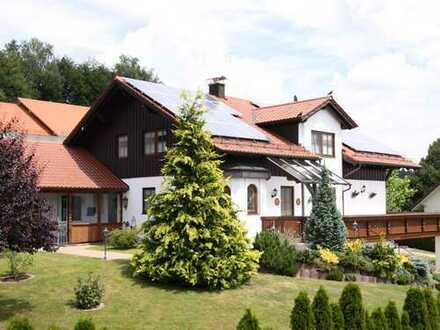 Frisch renovietes Traumhaus in ländlicher Idylle ca. 90 km westlich von München - Panoramaausblick!