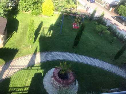 Schönes Haus mit sieben Zimmern in Haibach (Kreis Aschaffenburg) mit wunderschönen Garten/ Bauplatz