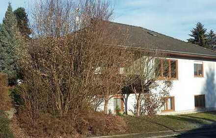 2 Zimmer Einliegerwohnung in Wallmdachbungalow Dornburg Thalheim