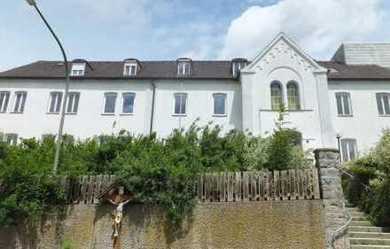 Mehrfamilienhaus - ehemaliges Krankenhaus in Aidenbach