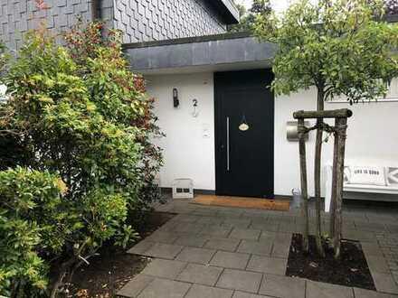Freistehendes Einfamilienhaus auf eingewachsenem Grundstück in Bad Soden - Neuenhain