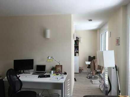 Exklusive 1-Zimmer-Wohnung mit Einbauküche in Bayreuth
