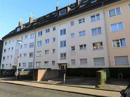 Vollständig modern möblierte 3 Zimmer-Wohnung mit Miele-Küche und Stellplatz