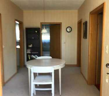 Gepflegte 3-Zimmer-Wohnung mit Balkon und Einbauküche in Rhaunen