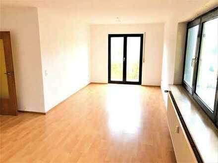 bezugsfreie helle 3 Zi.-Whg. mit Südbalkon und TG-Platz in 6-Familienhaus