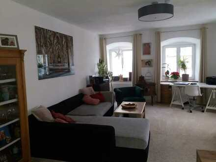 Gepflegte Maisonette-Wohnung mit vier Zimmern und Einbauküche in der Füssener Fußgängerzone