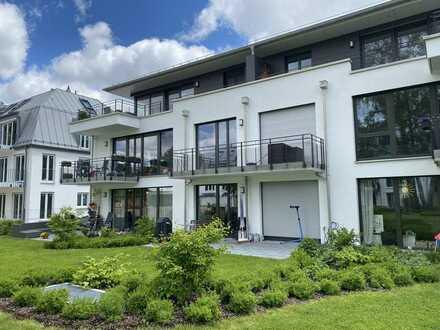 Penthouse-Wohnung mit großer Dachterrasse in weitläufigem Gartenareal