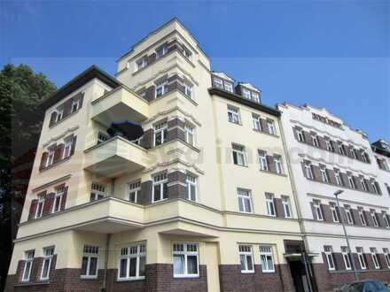 // 2 Zimmer mit Blick ins Grüne - Nähe Bahnhof - Parkett - Balkon //