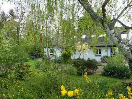 Einmalige Gelegenheit! Sehr großes Einfamilienhaus mit großem, gepflegtem Garten.