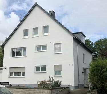 Vollständig renovierte 2-Zimmer-Wohnung mit Balkon in Leverkusen