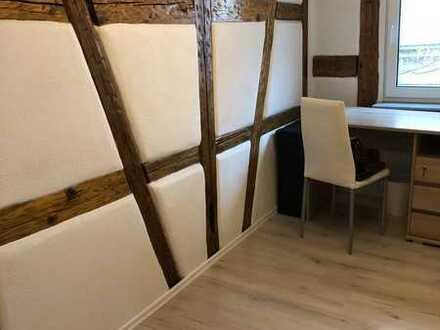 Möbliertes renoviertes Zimmer im Zentrum