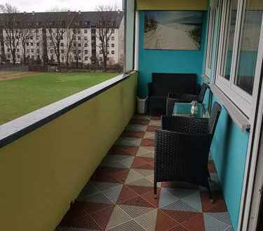 Gepflegte, ruhige 2-Zimmer-Wohnung mit große Loggia und EBK in Augsburg