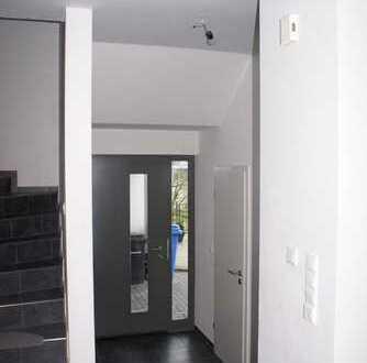 Schönes Haus mit fünf Zimmern in Aschaffenburg (Kreis), Alzenau