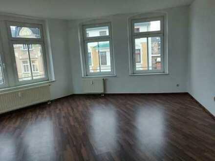 frisch renovierte 3 Zimmer Wohnung mit Top Aussicht & zentrumsnah