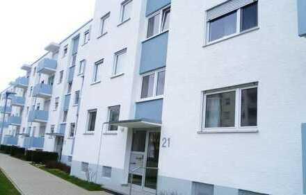 Wunderbare 4-Zi.-EG-Wohnung mit Loggia und Balkon in zentraler Lage