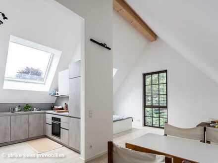 Selten-super-schöne Gewerbeeinheit! Hohe Räume! Parkett! Einbauküche!