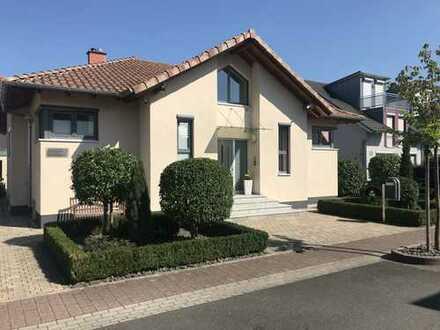 Provisionsfrei - Modernes, großzügiges Einfamilienhaus in Top Lage