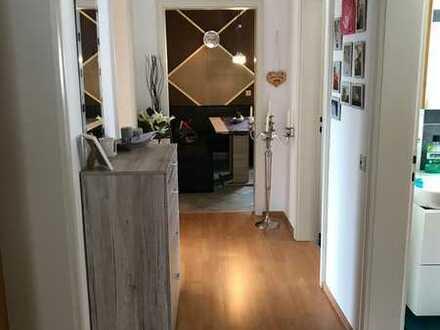 Exklusive 3-Zimmer-Erdgeschosswohnung mit Balkon und Einbauküche in Haimhausen