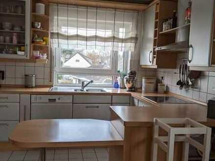Erschwingliche und gepflegte 4-Zimmer-Wohnung mit Einbauküche und Balkon in Simmern