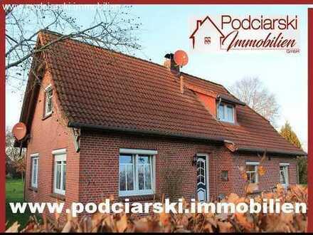 Küstennahes Friesenhaus mit Ausbaureserve, Garage, Carport und Baugrundstück in Sackgassenlage!