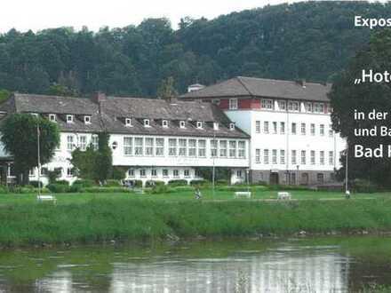** In bester Lage / großes Hotel im Luftkurort Bad Karlshafen**