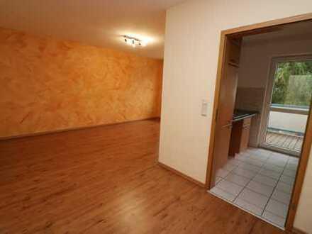 Helle 2,5 Zimmer Etagenwohnung mit Balkon und PKW-Stellplatz in Hattingen