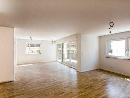 Helle 4-Zimmerwohnung, zentral, Gästebad mit Dusche, Balkon, 2.OG