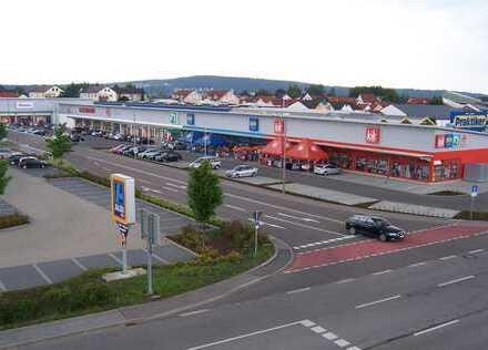Moderne Ladenflächen im Gewerbegebiet von Schwandorf
