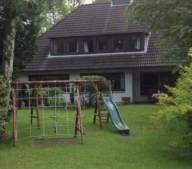 Erstbezug nach Kernsanierung mit Einbauküche: kinderfreundliche 3-Z.-Einliegerwohnung in Ahrensburg