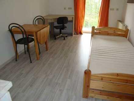 Möblierte 1-Zi.-Wohnung mit Kleinküche, Terrasse, Wfl. ca. 19 m²