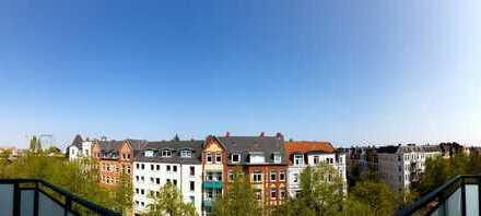 Einmaliges Penthouse - inmitten historischer Architektur - mit Uni-Nähe in grüner Allee