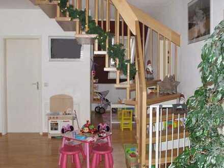 Weißenhorn: Helle, freundliche 4-Zimmer-Maisonette im 2. Obergeschoss.