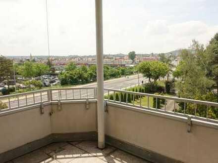 Gepflegte 3 Zimmer Wohnung, Süd-West-Balkon mit Blick auf die Stadt, Bamberg Nähe Polizei