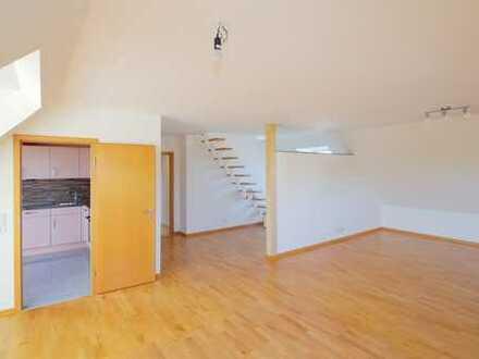 Top gepflegte, sanierte 4-Zi.-Dachgeschosswohnung mit realisierbarer Dachterrasse und Stellplatz
