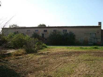 Kleiner landwirtschaftlicher Hof mit Einfamilienhaus und freiem Blick über das Weidatal