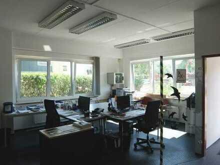 24_VH251 Modernes Gewerbeobjekt mit Halle und integriertem Bürotrakt / Gewerbegebiet ca. 8 km öst...