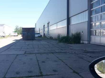 Halle für Produktion und Lager