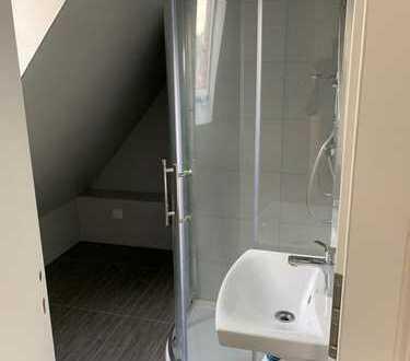 Stilvolle, sanierte 3-Zimmer-DG-Wohnung in Stuttgart