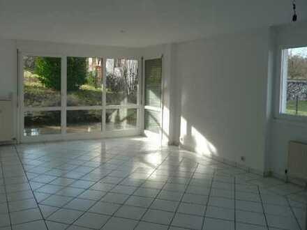 2 Zimmer-Wohnung, EG mit Terrasse