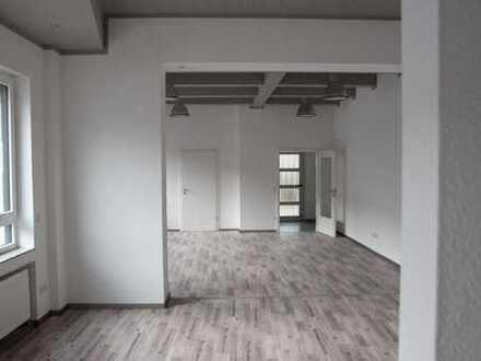 Exclusives Büro in exponierter Ecklage, renoviert und bezugsfertig!
