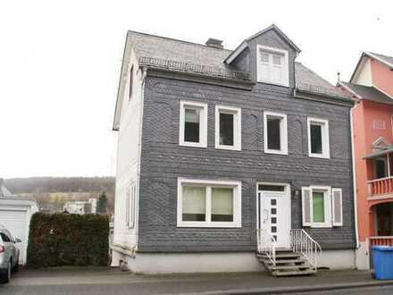 Schönes freistehendes Haus mit fünf Zimmern in Siegen-Wittgenstein (Kreis), Neunkirchen